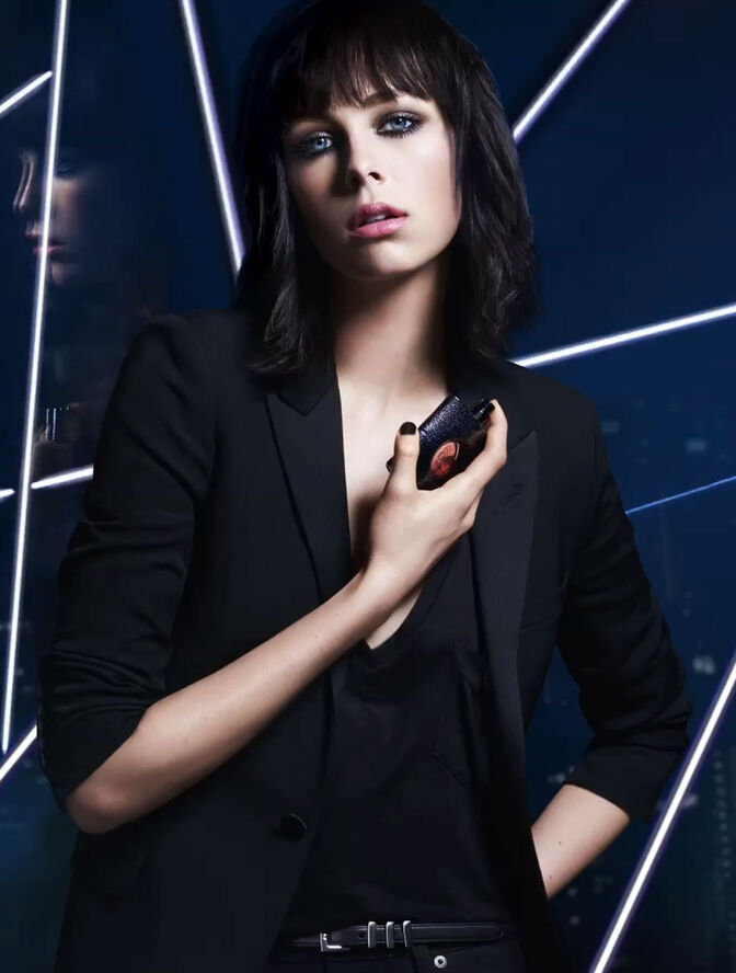 1114 besides Yves Saint Laurent Vinyl Mascara Couture The Ultimate Co Conspirator In The Game Of Reinvention besides Image together with Yves Saint Laurent Le Vestiaire Des Parfums Collection De Nuit 1552 furthermore Ysl Black Opium Wild Edition. on yves saint laurent perfume